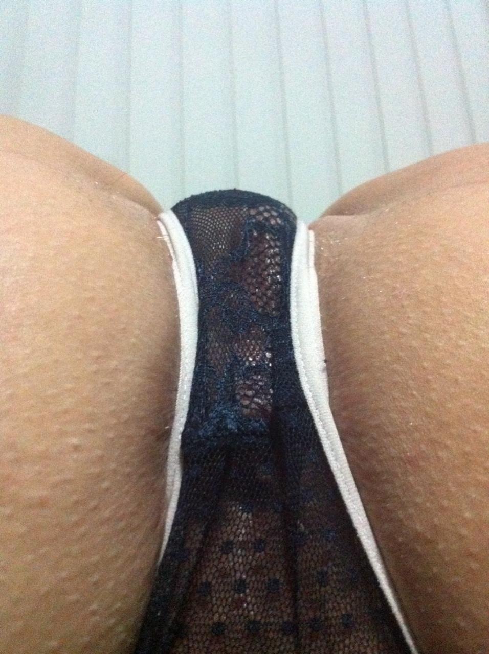 coquine ultra sexy en string dans le 55