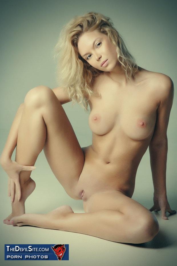 la plus belle paire de fesses du 36 en string