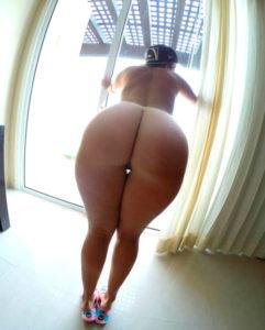 nana sexy du 57 montre son cul en string